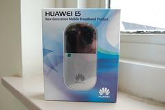 Huawei E5830 verpakking voorzijde (Robert Webbe) Tags: wifi modem wireless router imo e5 dongle mifi huawei aanbieding dongel aangeboden belcompany e5830 e5832