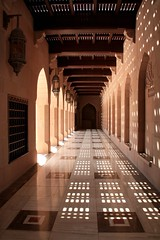 Looking in (bessieBES) Tags: city architecture buildings shadows islam grand mosque oman muscat 2010 bessiebes