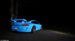 GT3. (Denniske) Tags: blue night canon germany deutschland photography eos blauw riviera nightshot angle 10 blu 04 wide sigma automotive bleu porsche april mk2 17 mm dennis blau 1020 vivitar 17th 2010 mkii gt3 997 noten nürburg f456 285hv 40d denniske dennisnotencom