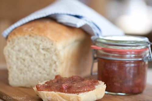 Ginger and rhubarb jam / Ingveri-rabarbrimoos