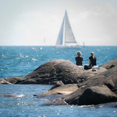 The best view (explored) (pakerholm) Tags: femöre femörehuvud oxelösund sail sailboat people rocks skär klippor hav östersjön balticsea sea sun sol soligt sigma150600 sigma150600f563dgsports sigma150600mmf563 sigmasport sigma 150600 600 nikon d600 d610 nikond600 nikond610 fullframe fullformat summer sommar august augusti