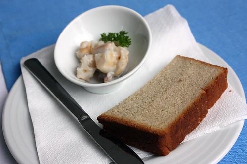 Domaci skvarky a kminovy chleb