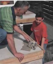 С помощью штукатурной кипи поврежденные участки обрабатывают специальным цементным молоком