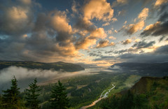 Heaven on Earth (Deej6) Tags: clouds oregon river point landscape pacific northwest columbia valley crown gorge d80 mywinners theunforgettablepictures platinumheartaward tokina1116 platinumpeaceaward