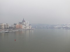 Danube, fog, Parliment (gregoriosz) Tags: urban public lumix 50mm budapest manual duna fz50