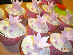 Crown cupcakes (Niki SG) Tags: art cakes cookies cupcakes sugar baptism sugarpaste     sketiglyka