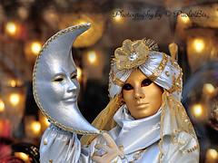 Sotto un cielo di stelle ... / Under a sky of stars ... (PaoloBis) Tags: carnival venice sun moon luna getty loulou sole carnevale venezia venedig gettyimages 2010 d90 carnavaldevenise nikond90 paolobis
