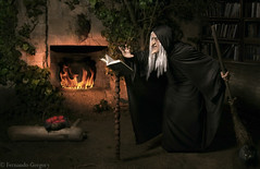 Old-Hag Witch (Fer Gregory) Tags: old white snow black art mexicana cat canon mexico eos photographer artistic witch magic evil spell queen mexican wicked apples fotografia snowwhite cauldron witchcraft mexicano broom hag fotografo poisoned sevendwarfs snowhite 40d fernandogregory canoneos40d canon40d oldhagwitch fergregory fernandogregorymilan