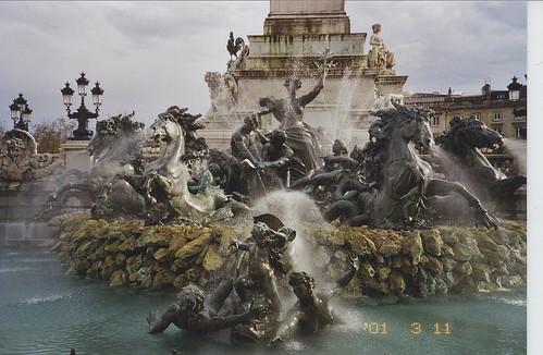 2001-03-11 Bordeaux France (le Monument aux Girondins en face de Esplanade des Quinconces)