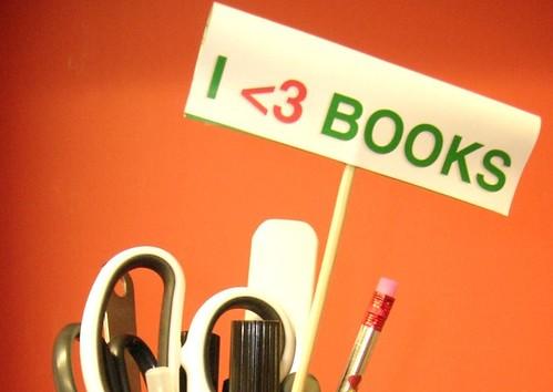 I <3 Books ... even closer
