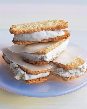 oscarcoconutcreamsandwich
