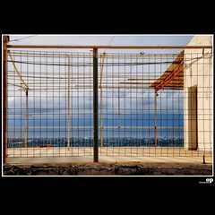 Winter Beach - Closed/Chiuso/Ferm (Osvaldo_Zoom) Tags: winter sea italy net beach clouds seaside nikon closed calabria chiuso seasideresort ferm geschlossen messinastrait d80