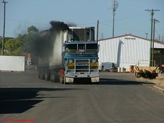 Mack Ultraliner-Crawfords-sooting up (P and T Archer) Tags: mack crawford coe roadtrain cabover ultraliner