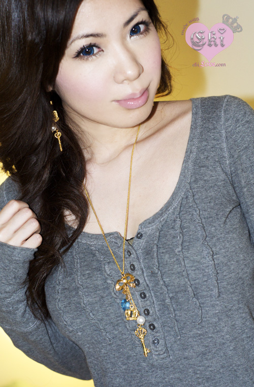 eki wear Alice necklace