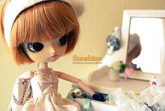 What's behind the mirror ?  //  085/365 (Nouchka ) Tags: sunshine doll dal groove custom tweety nouchka emap junplanning emapphoto