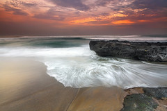 minimalism or not minimalism, that is the question ! (tropicaLiving - Jessy Eykendorp) Tags: sunset bali seascape nature canon indonesia landscape reverse hitech singhray tropicaliving