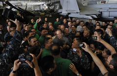 Republic of the Philippines President Benigno Aquino III meets with Filipino Sailors aboard USS Carl Vinson. (Official U.S. Navy Imagery) Tags: navy sailors pacificocean filipino sailor aircraftcarrier usnavy nimitzclass usscarlvinsoncvn70 cvw17 republicofthephilippines carrierairwing17 presidentbenignoaquinoiii