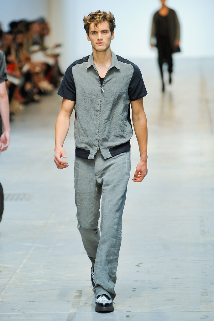SS12 Milan Costume National Homme012(VOGUEcom)