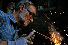 on the wall (Shapour_3) Tags: iran welding worker iranian ایران welder ایرانی کارگر shapour neishabour khorasanprovince نیشابور shapour3 شاپور iranianworker استانخراسان استادکار کارگرایرانی جوشکار جوشکاری