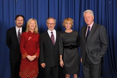 2009 Liberty Medal Ceremony - Amy Gutmann with Steven Spielberg, Kate Capshaw, The Honorable President William Jefferson Clinton, and Michael Doyle (Dr. Amy Gutmann Penn President) Tags: billclinton universityofpennsylvania stevenspielberg amygutmann nationalconstitutioncenter libertymedal pennpresident katcapshaw