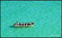 Fishermen at Sea (Petri_) Tags: africa sea coast boat fisherman nikond70 indianocean aerialphoto mozambique lowlevel ilhabartolomeudias