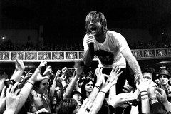 Welcome to the Planet (24 images.) Tags: jon singing live crowd sing jonathon switchfoot ventura foreman