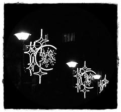6 - 30 novembre 2009 Alfortville Eclairages de Nol (melina1965) Tags: christmas xmas november light blackandwhite bw night stars star nikon novembre ledefrance noiretblanc streetlamp streetlamps lumire nol nuit 2009 lampadaire toiles toile valdemarne alfortville lampadaires d80 photoscape checkoutmynewpics digitalphotoexposition greatpicturesoftheworld fotosphotosbelles