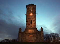 Helmsdale War Memorial (Helmsdale.org) Tags: scotland war sutherland icehouse helmsdale petersmith wardead helmsdaleorg helmsdalewarmemorial ruardbb