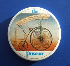 'The Prisoner' penny-farthing button badge (1990's) (RETRO STU) Tags: badge portmeirion theprisoner patrickmcgoohan culttv pennyfarthingbike sixofone buttonbadge theprisonerappreciationsociety