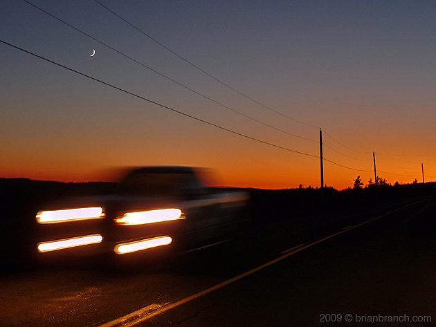 P1080553_truck_and_moon