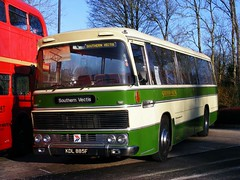 KDL 885F (mr-bg) Tags: winchester oldbuses runningday fokab kingalfredmotorservices 010110 kingalefredbuses