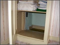 Hiding Place in the Corrie ten Boom House in Haarlem (Isabel Fagg) Tags: haarlem netherlands nazis nederland worldwarii jewish shelter resistance joods hidingplace juif isabelfagg onderduik