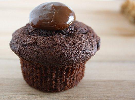 Cocoa-Nana Cupcakes with Dulce de Leche - 6846-1-0