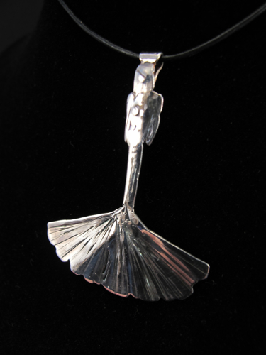 Ginko Pendant side (by Simbel_myne)
