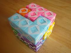 Origami Sonobe Soma Cube 2- (Modular Origami) (Origami Tatsujin 折り紙) Tags: art colors paperart origami geometry puzzle sonicboom soma multicolored papiroflexia papercraft polyhedra modularorigami sonobe geometricbeauty geometricart somacube colorfulart sonobemodule somapuzzle modualrorigami