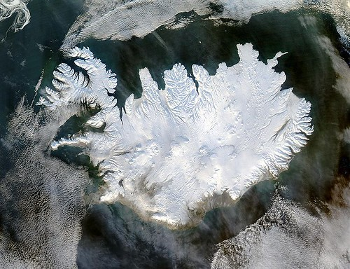 Islândia fotografada por satelite Fonte Wikipédia