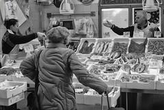 (giochi reflexivi) Tags: fish market mercato pesce velletri