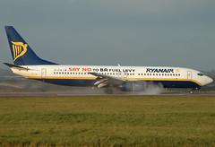 EI-CTB - 29937 - Ryanair - Boeing 737-8AS - Luton - 051208 - Steven Gray - Fuji