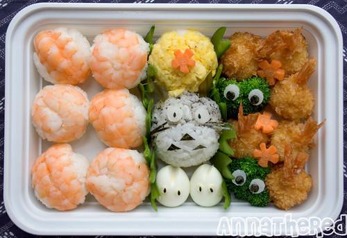 Bento #75: Totoro temari sushi bento