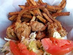 thisrty dog tavern - the oyster po-boy