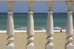 BALAUSTRADA AL MAR (ngel mateo) Tags: espaa andaluca playa arena cielo sombrilla almera garrucha paseomartimo mrmol balaustrada baista ngelmartnmateo ngelmateo