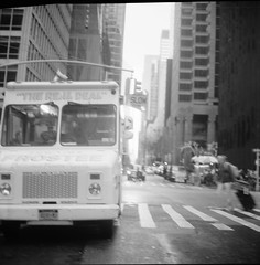 New York City Trip 2016 (Raf Ferreira) Tags: 6x6 rolleiflex 28 28c f xenotar rollei medium format tlr rafael peixoto ferreira nyc ny new york city usa eua bw black white fuji acros 100