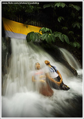 'Melukat' #3 (myudistira) Tags: bali water work temple waterfall photographer pray culture made tirta yatra 2009 freelance adat budaya balinese fotografer unik gianyar yudis baliview melukat baliphotographer yudistira myudistira madeyudistira yudist