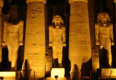 Pharaohs (Marco Di Fabio) Tags: light luz statue night temple noche site king shadows god columns egypt statues ombre estatuas rey dio pharaoh gods re egipto luxor archaeological sombras notte amenhotep luce templo dei egitto hieroglyphics mut divinity sitio sito amon colonne tempio columnas faraon pharaohs divinit faraones khonsu archaeologicalsite jeroglificos faraoni arqueologico sitioarqueologico geroglifici faraone sitoarcheologico divinidades