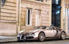 Bugatti Veyron Gransport (__martin__) Tags: black paris night amazing nikon shot nightshot uae fast bugatti 2009 w16 exotics supercars 1001 veyron gransport 1685 d80