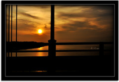 Sunset over Tejo (Dregster) Tags: bridge blue sunset sky sun sol nature rio yellow azul clouds river de soleil zonsondergang tramonto sonnenuntergang natureza coucher ponte amarelo nuvens ng puesta tejo ceu  posta solnedgang entardecer solnedgng matahari   auringonlasku   slnka  sumrak  araw riotejo   zpad muzg riets terbenam paglubog  dregster saullydio  anunes