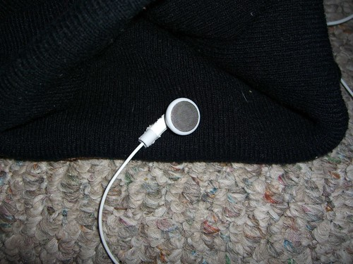 knit cap + headphone = squeaky