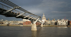 "Millennium Bridge • <a style=""font-size:0.8em;"" href=""http://www.flickr.com/photos/45090765@N05/4255959119/"" target=""_blank"">View on Flickr</a>"