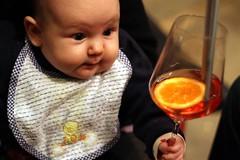 vernissage (Zioluc) Tags: mostra portrait drink miranda bicchiere montgolfier inaugurazione diecicento