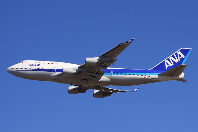 ANA B747-400(JA8962)